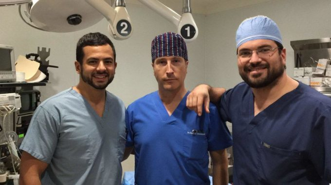 EL DR RUIZ DE ERENCHUN CIRUJANO PLASTICO INVITADO A REALIZAR VARIAS INTERVENCIONES EN MIAMI